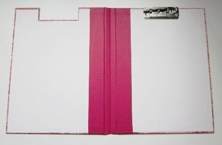 Carpeta con pinza. A4