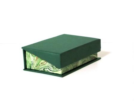 Caja 24x24x4 cm