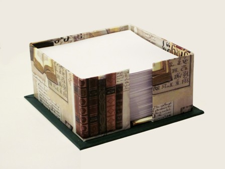 Portanotas sin tapa. 10.5x10.5x5 cm