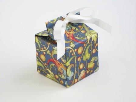 Caja mini. 5x5x5 cm