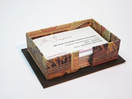 Tarjetero sin tapa. 9x6x2.5 cm