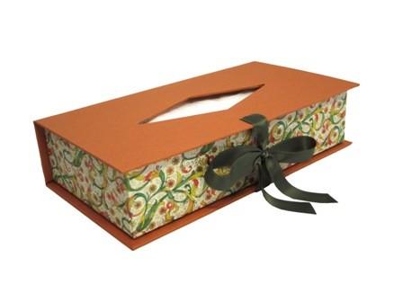 Caja para pañuelos con lazo. 23x12x5 cm