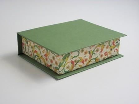 Caja sin cierre. 9x11x3 cm