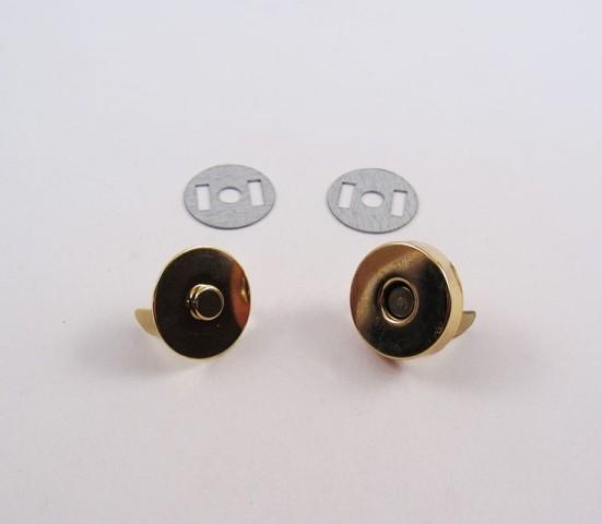 Broche de imán. Dorado. 14 mm