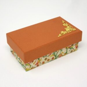 Caja con esquinera. 11x6x4 cm. I-9