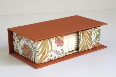 Caja para pañuelos de sobremesa. I-7-N
