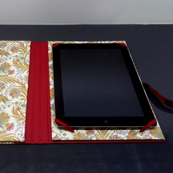Funda para tablet con lazo